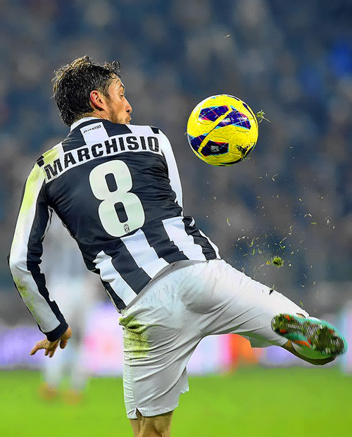 Marchisio 1st touch