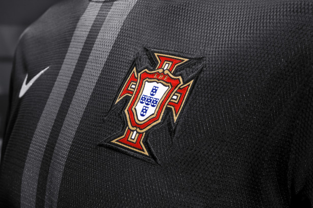 Portugal NT 2013-14 Away Jersey 1